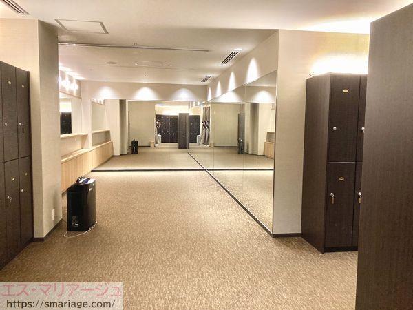 ゲスト用更衣室・鏡