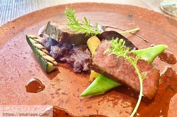 香り立つスモークビーフと農園の彩り野菜-ソース・シャトーブリアン