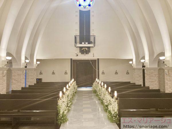 祭壇から見たチャペル内