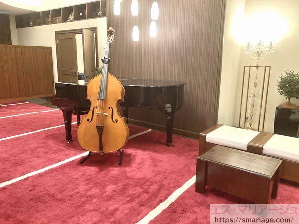 グランドピアノとチェロ