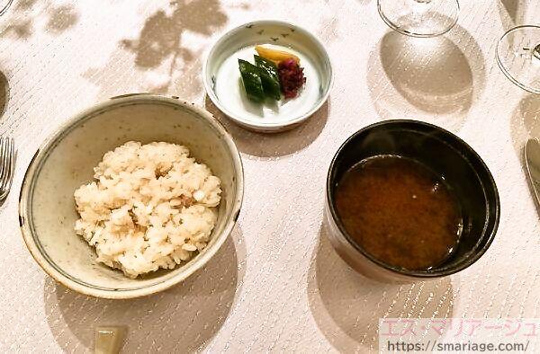鯛飯と赤だしのお味噌汁